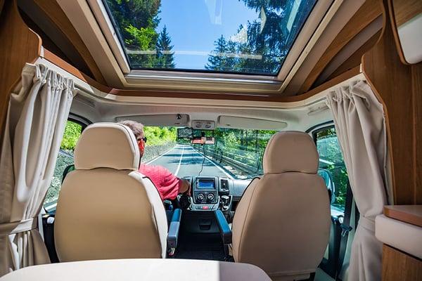 conseils_astuces_voyage_camping-car_preparation