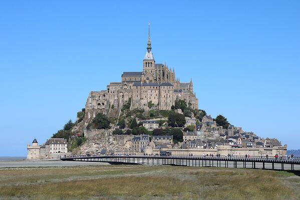 mont saint michel camping car