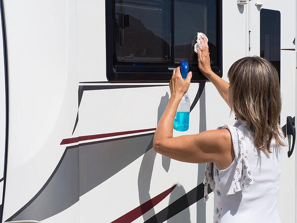 nettoyage-cellule-camping-car-entretien