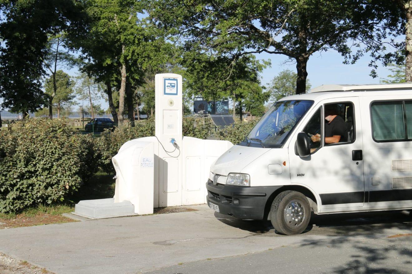 ravitaillement-eau-camping-car