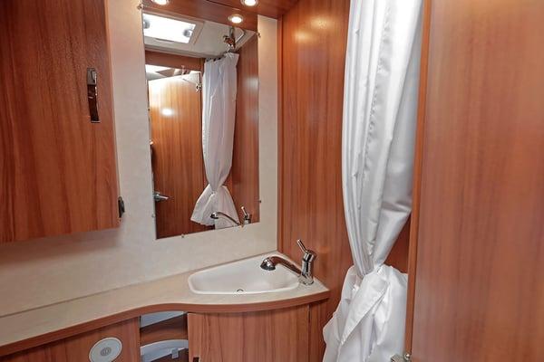 salle_de_bain_toilette_camping_car