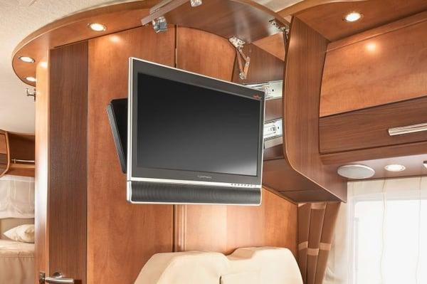 tv_compatible_installation_camping-car